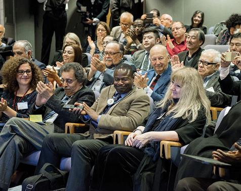 """1er rang de gauche à droite :Bianca Rutherford (Chaire UNESCO ITEN),Jamal Eddine NAJI (président d'ORBICOM),Fackson BANDA (responsable """"Archives du Monde"""", UNESCO).Ghislaine Azémard (titulaire de Chaire UNESCO ITEN),"""