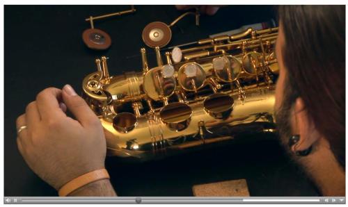 Vidéo - Réparateur de saxophone
